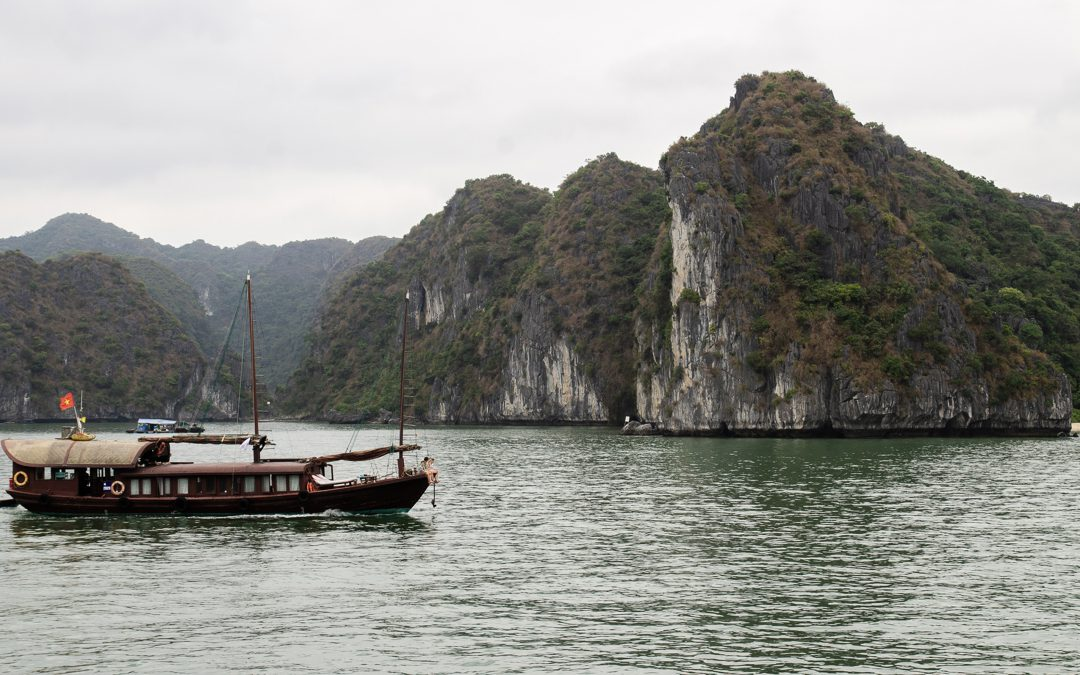 A FAMILY TRIP TO HALONG BAY