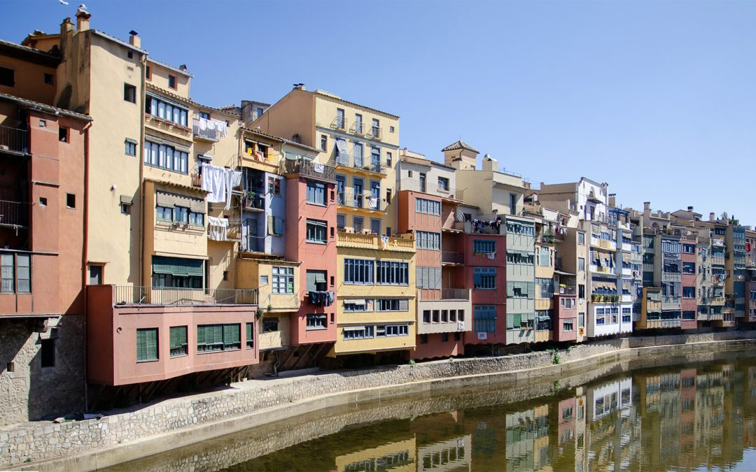 A day trip to Girona | the beautiful little city in Catalonia