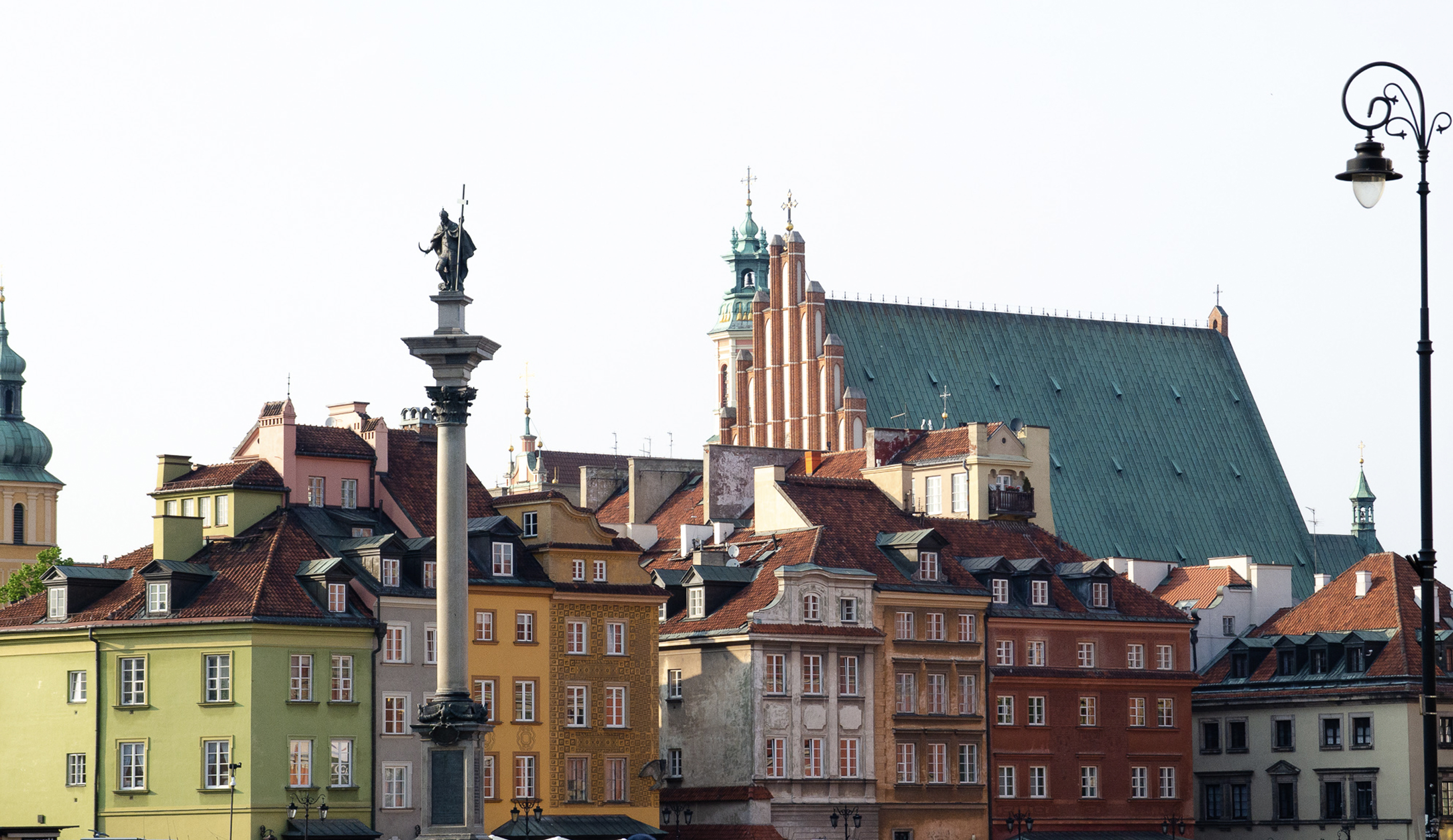 A TRAVEL GUIDE TO WARSAW   POLAND