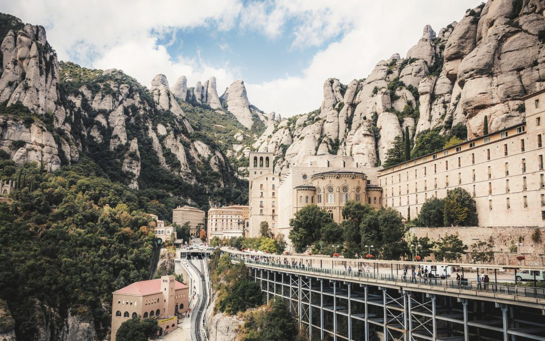 MONTSERRAT | DISCOVER THE IMPRESSIVE ROCK FORMATION